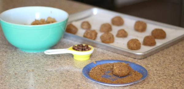 chocolate snickerdoodle cookies 4
