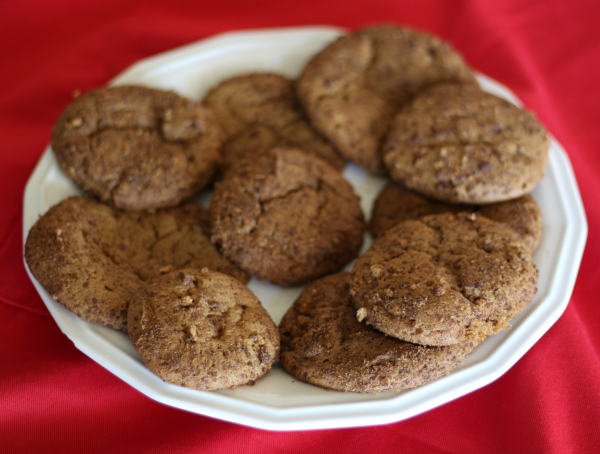 chocolate snickerdoodle cookies plate