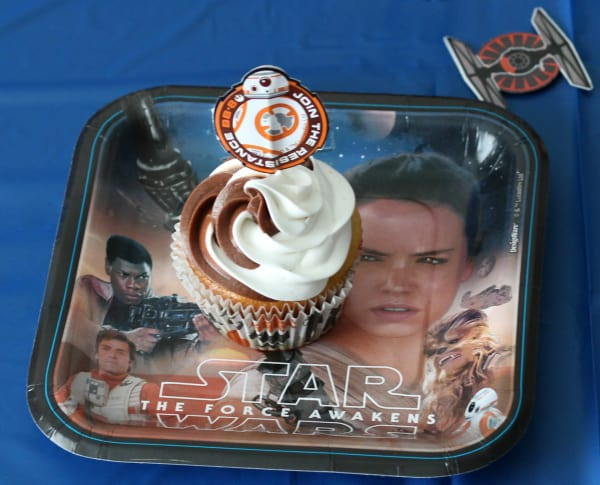 star-wars-costume-party-cupcake-2