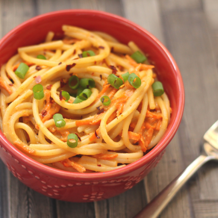 15 Minute Noodles with Spicy Peanut Sauce