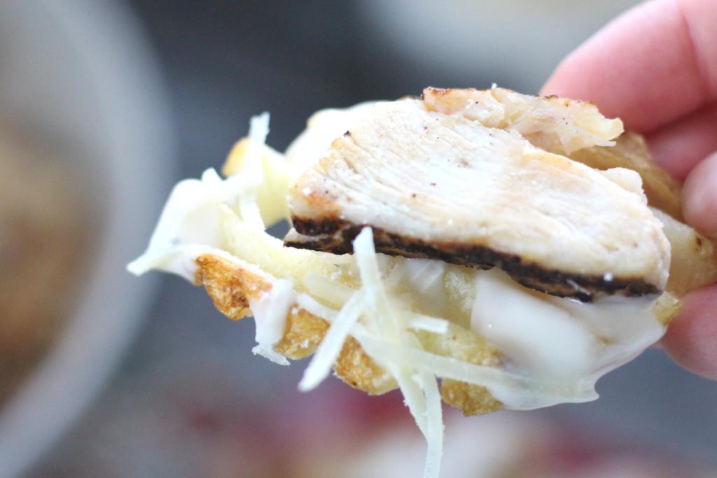 chicken alfredo fries